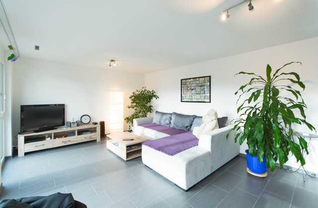 Neue sehr schöne 4½ Zimmer-Wohnung an zentraler Lage